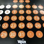 デザイン事務所Veiaさんから届くカレンダーは、とてもオシャレ! 毎年編集部内で争奪戦になります…